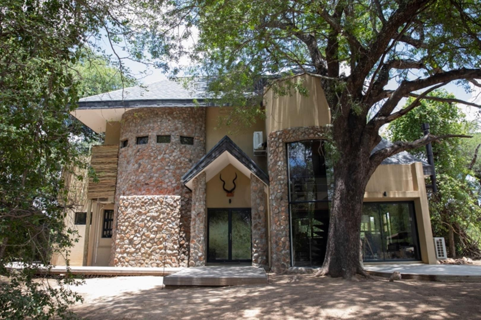 Fully Developed Lodge for sale Limpopo Lipadi - Central District